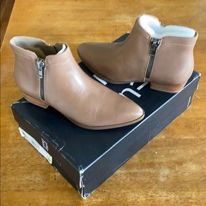 Brand new Naturalizer Blair,Dover Taupe boot